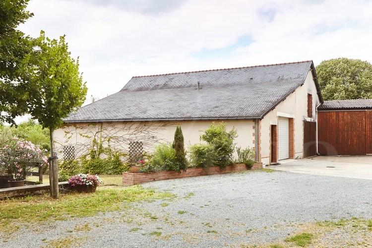 anjou-domaine-viticole-de-17ha-au-coeur-d-un-village-vigneron (3)