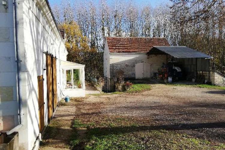 touraine-cote-cher-ideal-installation-petit-domaine-complet-avec-maison-d-habitation